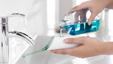 Почистването на зъбите с конец – има ли алтернатива?