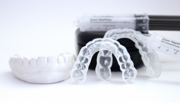 Как да избелим зъбите си вкъщи?