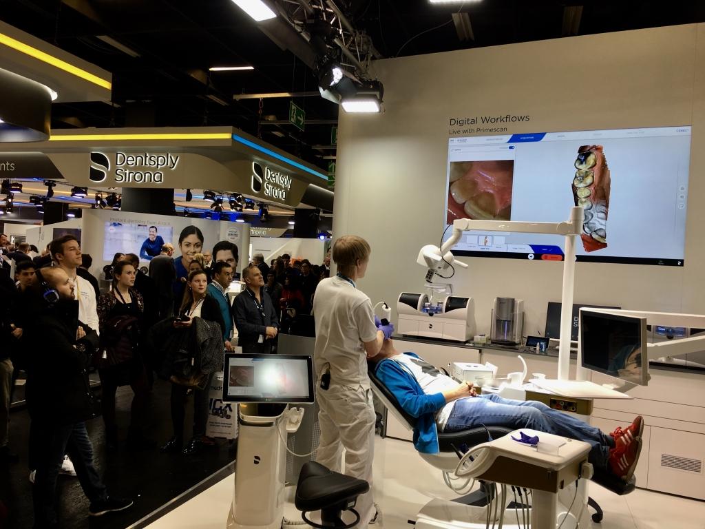 Представяне на интраоралния скенер PrimeScan на фирма Dentsply Sirona
